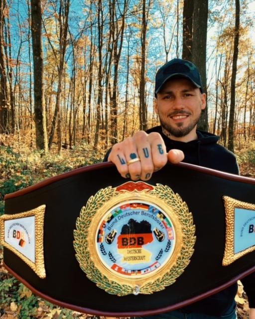 Slawa Spomer: erfolgreicher erster Titelkampf im Profibereich